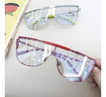 インスタ映え人気個性的メガネ一体形サングラス大きいフレームかっこいい多色展開ストリートファッションめがねメンズ赤い縁おしゃれ伊達メガネ英語字母レンズ偏光サングラス女性