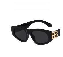 大きいロゴめがねハリウッド偏光サングラス セレブ紫外線カット黒縁キャットアイ サングラス2021年トレンド三角形フレーム太い女性インスタ映えメガネ