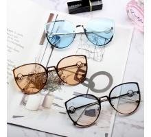セレブ高級上品リムレスめがねサングラスおしゃれキャットアイ眼鏡偏光サングラス流行欧米人気ライトカラーレンズ有名人UVカットレンズ女性グラデーション色フォックス型フレーム